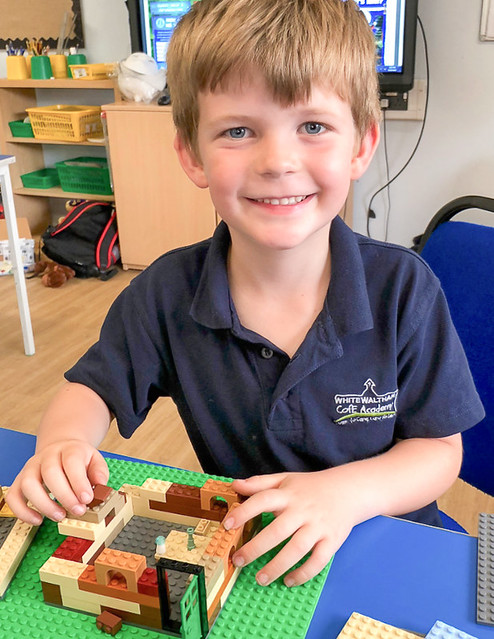 Brickies KS1 School LEGO Workshops - Learning through play